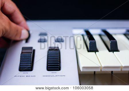 The midi keyboard controller