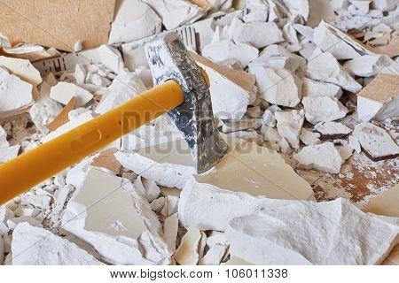 Axe Demolition Material