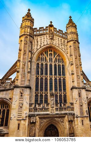 Ancient Bath abby cathedral church architecture England UK somerset heritage front entrance at dayti