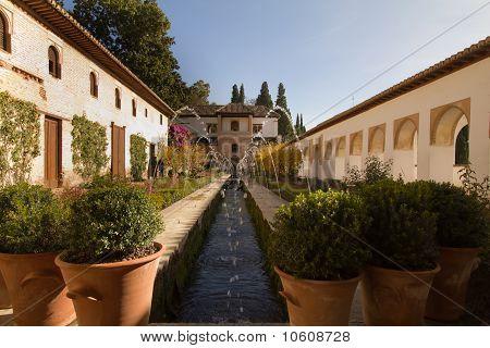 Alhambra jardines altos generalife