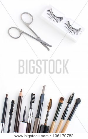 eyebrows equipment