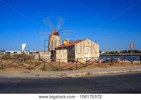 Wwf Windmill, Trapani