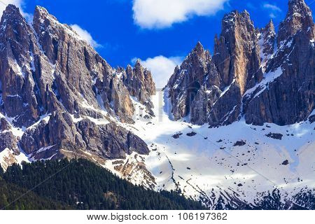 impressive Dolomites mountains, Val di Funes, north Italy