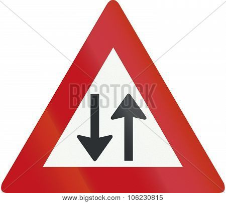 Netherlands Road Sign J29 - Two-way Traffic