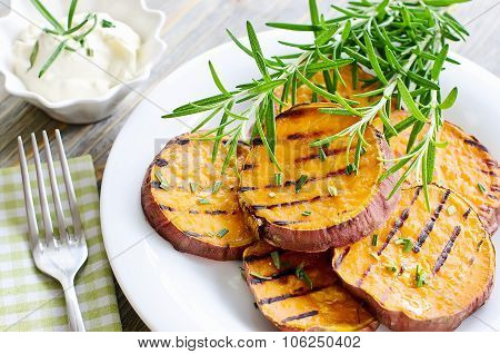 Sweet Potato Baked And Grilled With Rosemary Ans Sauce