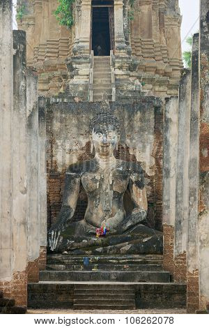 Buddha statue at Si Satchanalai in Sukhothai historical Park, Sukhothai, Thailand.
