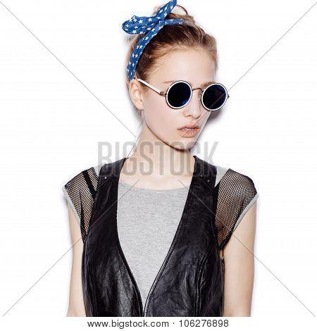 Fashion Portrait Of Beautiful Girl Wearing Sunglasses