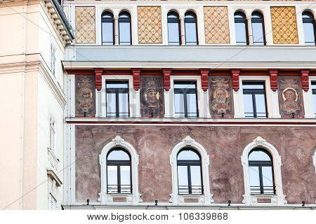 House With Painted Portrait On Stephansplatz