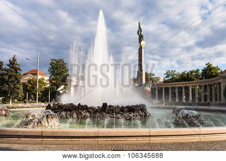 Fountain And Heroes Monument Of The Red Army