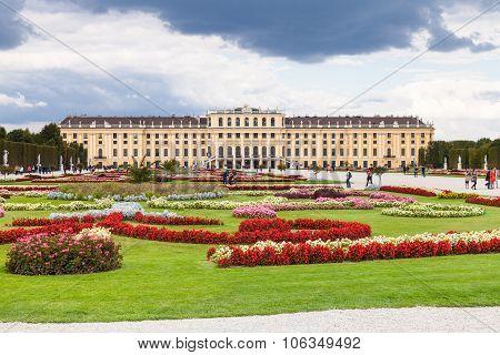 Design Of Garden Schonbrunn Palace Vienna
