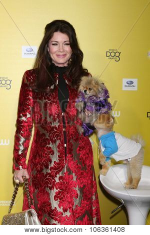 LOS ANGELES - JAN 10:  Lisa Vanderpump, Giggy, Jiff the Dog at the CW Network presents