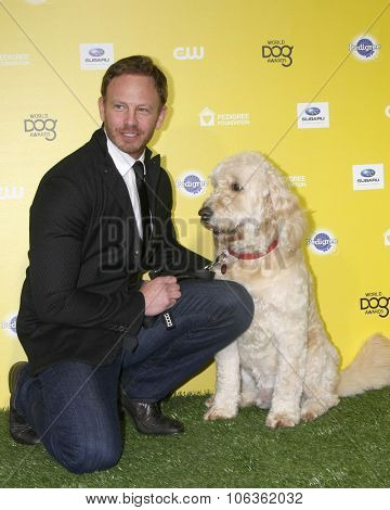 LOS ANGELES - JAN 10:  Ian Ziering, Sparky at the CW Network presents