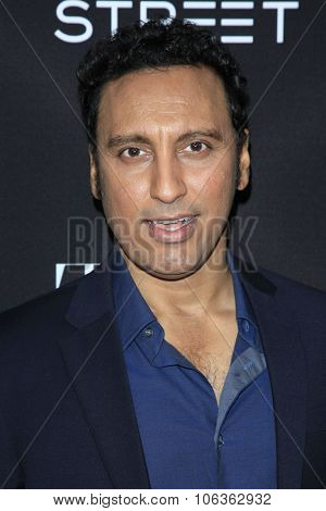 LOS ANGELES - OCT 27:  Aasif Mandvi at the