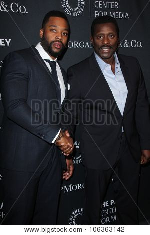 LOS ANGELES - OCT 26:  LaRoyce Hawkins, Eamonn Walker at the Paley Center's Hollywood Tribute to African-Americans in TV at the Beverly Wilshire Hotel on October 26, 2015 in Beverly Hills, CA