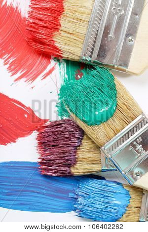 Paint brushes on the table