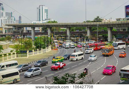 Big Traffic Flows In The Squares Bangkok