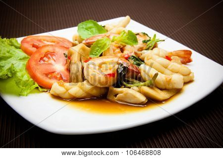Spicy Fried Squid And Shrimp With Basil Leaves