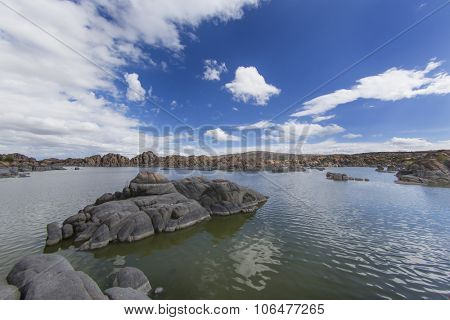 Lake views in the Arizona desert