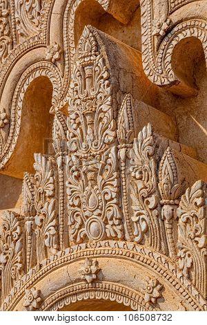 Bagan pagoda stucco detail