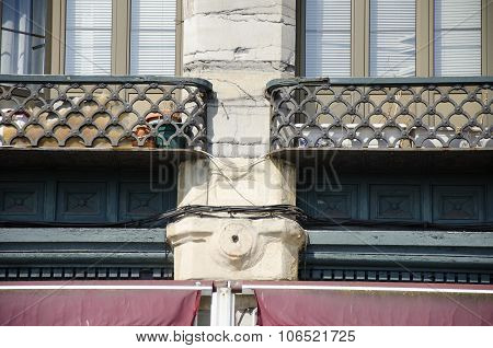Detail of a facade 16