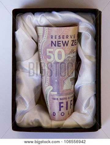 NZ Money in a Casket