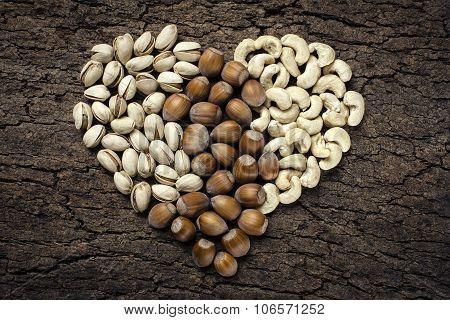 Heart - shaped nuts: hazelnuts, pistachios and cashews