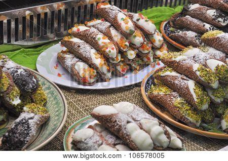 Cannoli Sweets