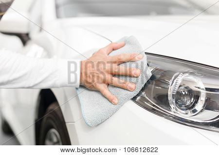 Experienced mechanic will make your auto beautiful