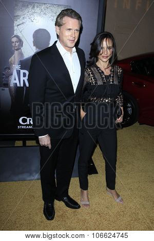 LOS ANGELES - OCT 29:  Cary Elwes, Lisa Marie Kurbikoff at the