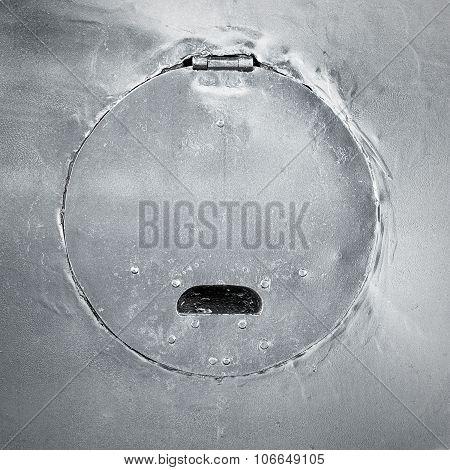 Round aged metal door