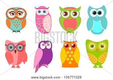 Set of cartoon owls. illustration of cartoon owls in pastel and bright colors