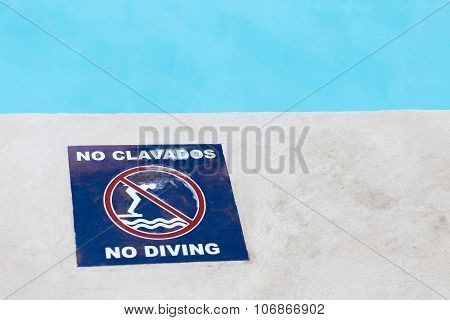 No Diving Sign At The Poolside