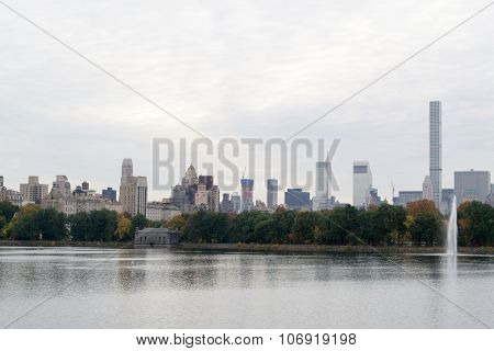 Midtown And The Reservoir Fountain