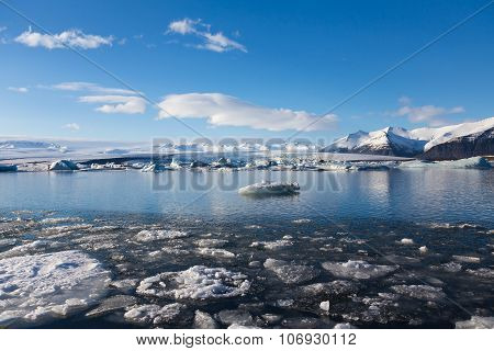 Beautiful winter landscape over Jokulsarlon lake