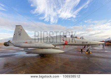Spanish F-5