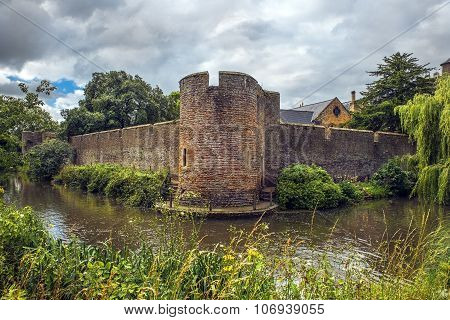 Boundary Wall By The Bishops Palace, Somerset, England