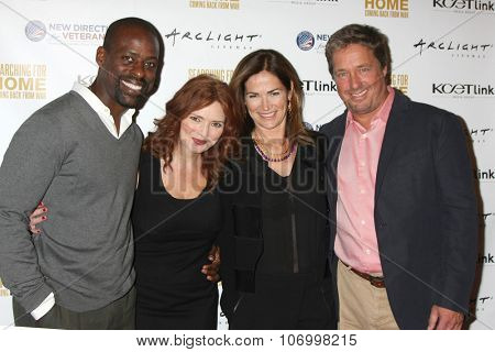 LOS ANGELES - NOV 2:  Sterling K. Brown, Brigid Brannagh, Kim Delaney, Brian McNamara at the
