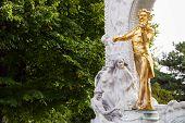 Постер, плакат: Bronze Statue Johann Strauss In Stadtpark Vienna