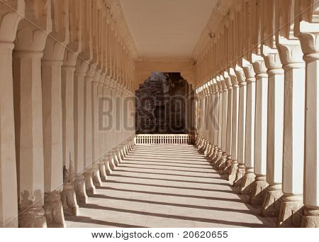 Galery of columns and arches at Nagaur's palace in Rajasthan.