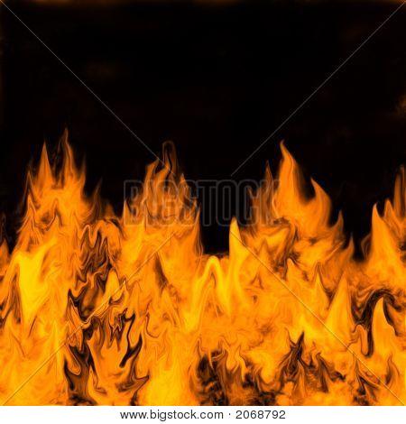 Ardiendo en llamas sobre un fondo oscuro