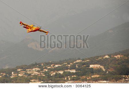 Canadair In Corsica
