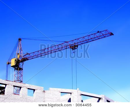 The Working Hoisting Crane.
