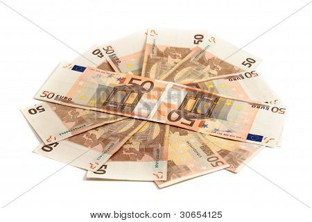 Monetary Denominations Lie On A Circle