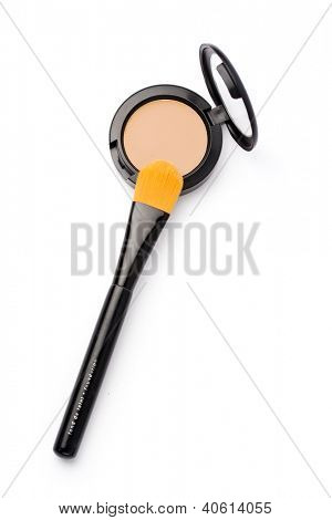 foundation and makeup brush