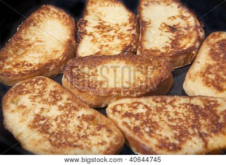 Roasted Bread Eggs