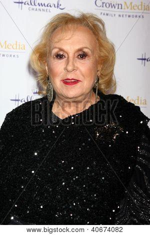 LOS ANGELES - JAN 4:  Doris Roberts arrives at the Hallmark Channel 2013 Winter TCA Party. at Huntington Library & Gardens on January 4, 2013 in San Marino, CA