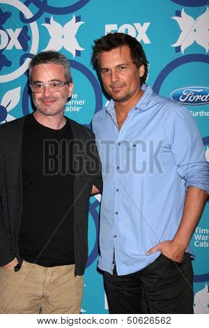 LOS ANGELES - SEP 9:  Alex Kurtzman, Len Wiseman at the FOX Fall Eco-Casino Party at The Bungalow on September 9, 2013 in Santa Monica, CA