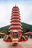 foto of tin man  - Ten Thousand Buddhas Monastery  - JPG