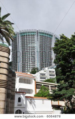 Condominium Curve Modern