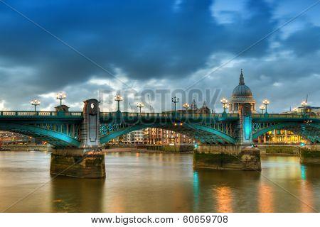 Southwark Bridge - Hdr Version